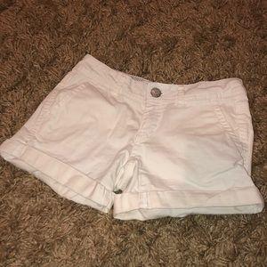 White jean shorts w REAL pockets